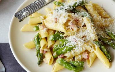 """Monograno Felicetti """"Matt"""" Penne Lisce Carbonara with Asparagus Recipe"""
